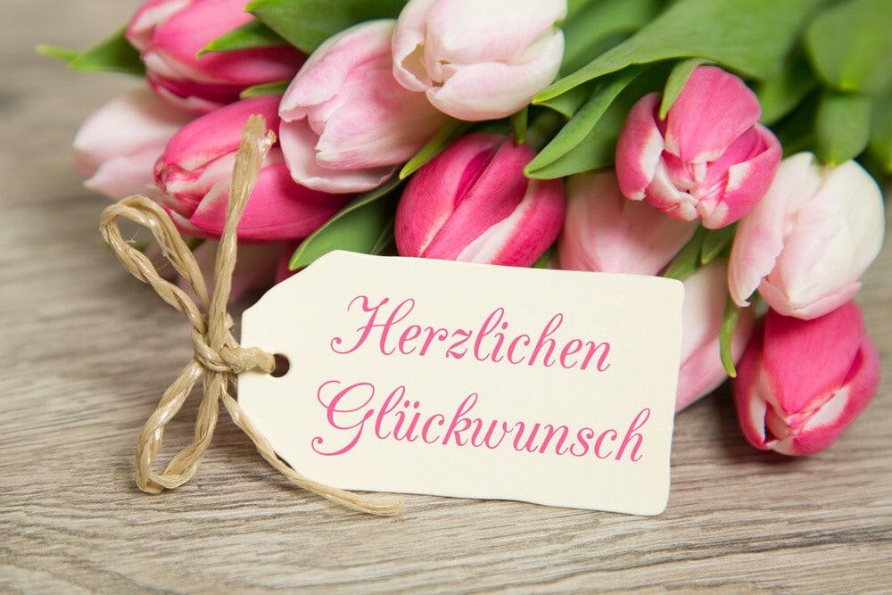 عبارات التهنئة والمواساة باللغة الألمانية Glückwunsch