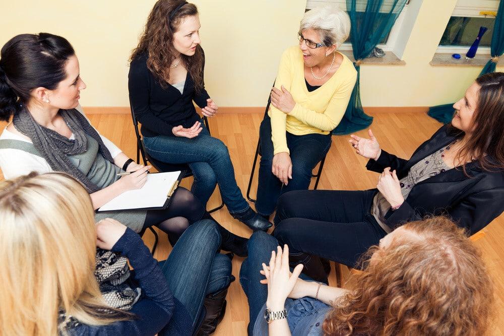 مفردات ألمانية عن المحادثة والمناقشة وإبدأ الرأى Reden, diskutieren und besprechen بالأمثلة